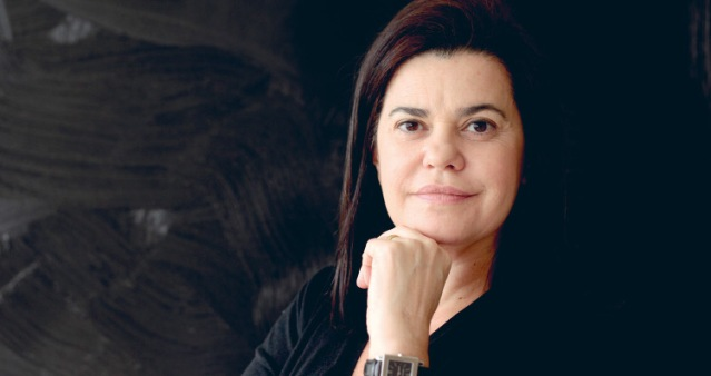Patricia Melo orelha alta