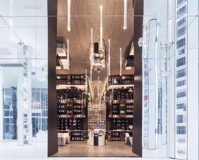 book-store_200516_03